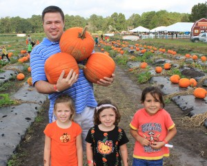 Dad and His Girls With Pumpkins-8x6-300dpi
