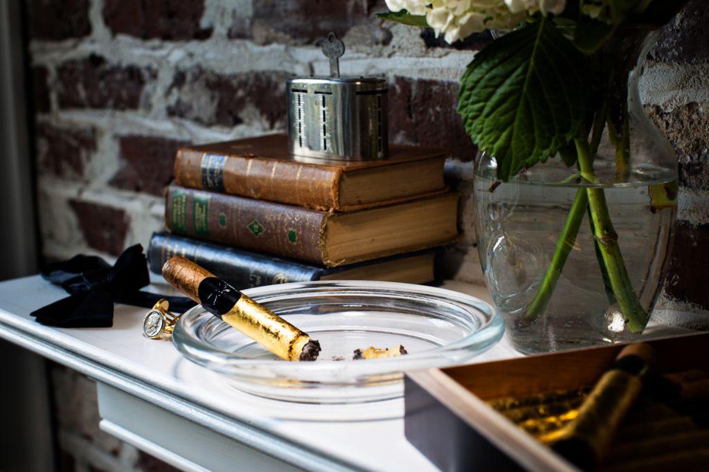 striking gold local cigar manufacturer distributor cigar row mount pleasant magazine. Black Bedroom Furniture Sets. Home Design Ideas