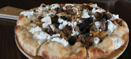 Pizze at Ember Wood Fired Kitchen