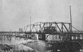 Historic photo of the Pitt Street Bridge in Mount Pleasant, SC
