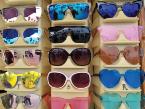 Vince Beach Shades Rack