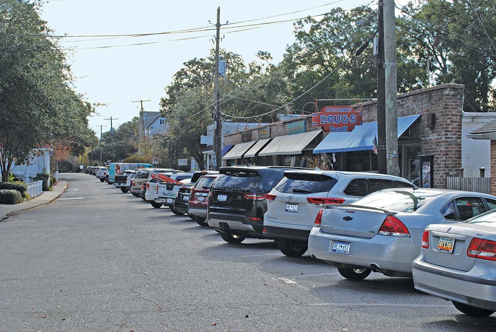 A photo of Pitt Street in Mount Pleasant, South Carolina