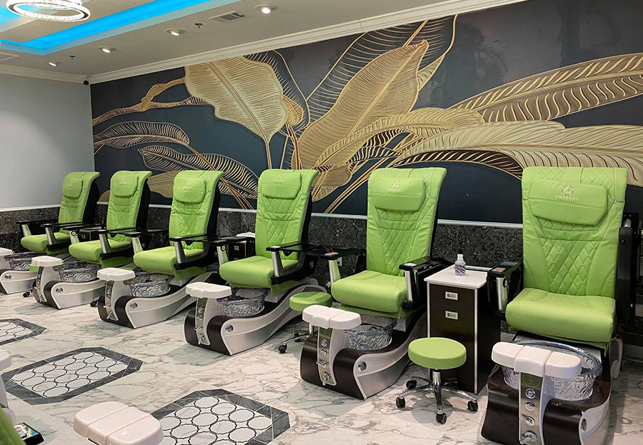 Amazing Nails Salon in Mount Pleasant, South Carolina